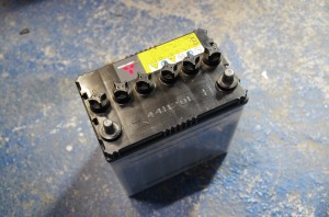 HA1W 44B20L バッテリー