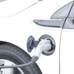車の給油は半分にして…は、百害あって一利なし