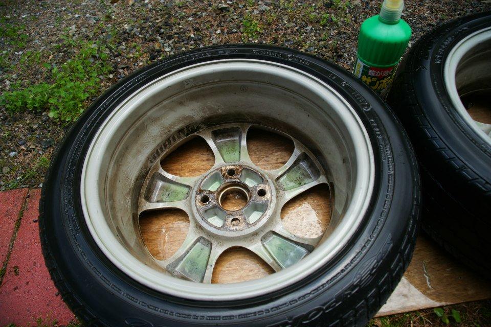 タイヤ、ホイールの洗浄   修理改良生活 5269 コジログ